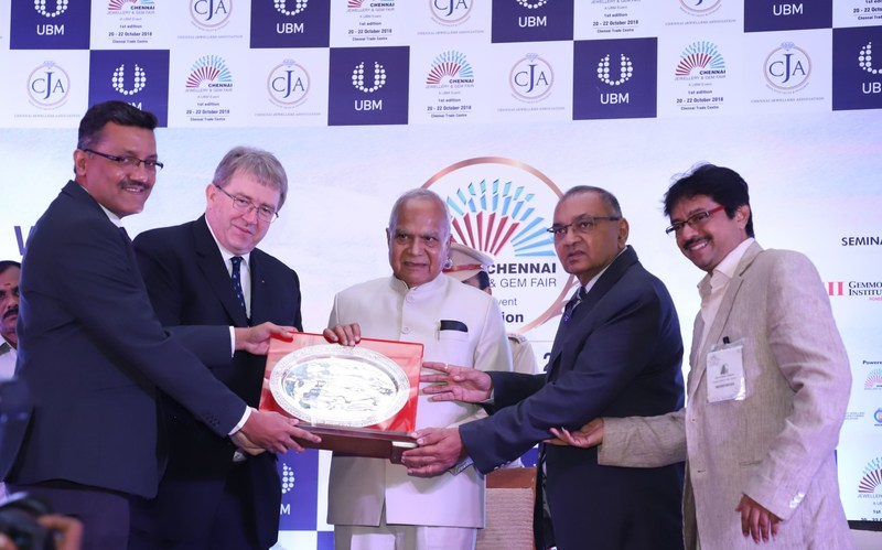 (L-R ) Mr. Yogesh Mudras, Managing Director, UBM India; Mr. Michael Duck, Executive Vice President, UBM Asia; Chief Guest -- Shri Thiru. Banwarilal Purohit, Hon'ble Governor of Tamil Nadu; Mr. Yogesh Shah, President – Chennai Jewellers Association and Mr. Uday Vummidi , Vice President – Chennai Jewellers Association inaugurated the maiden edition of the Chennai Jewellery and Gem Fair ( CJGF ) at the Chennai Trade Centre. (PRNewsfoto/UBM India Pvt. Ltd.)