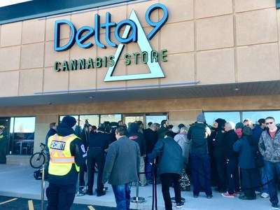 Hundreds of people lined up outside the Delta 9 Cannabis Store in Winnipeg on October 17 to be among the first to buy legal cannabis. (CNW Group/Delta 9 Cannabis Inc.)