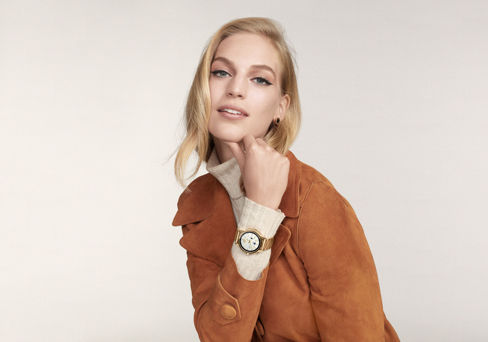 Tory Burch launches the ToryTrack Gigi Touchscreen Smartwatch equipped with the latest Wear OS software and features including heart-rate tracking, swimproof functionality, payment methods, untethered GPS and more.