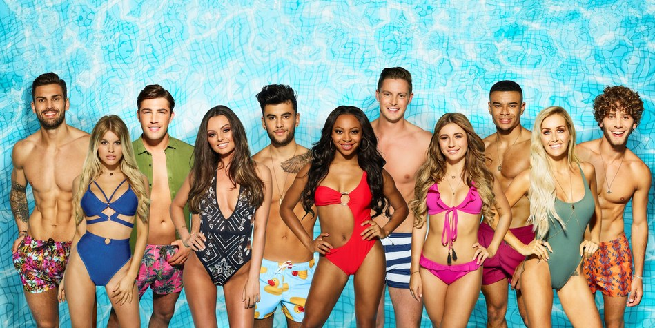 Love Island Comes to Canada (CNW Group/hayu)