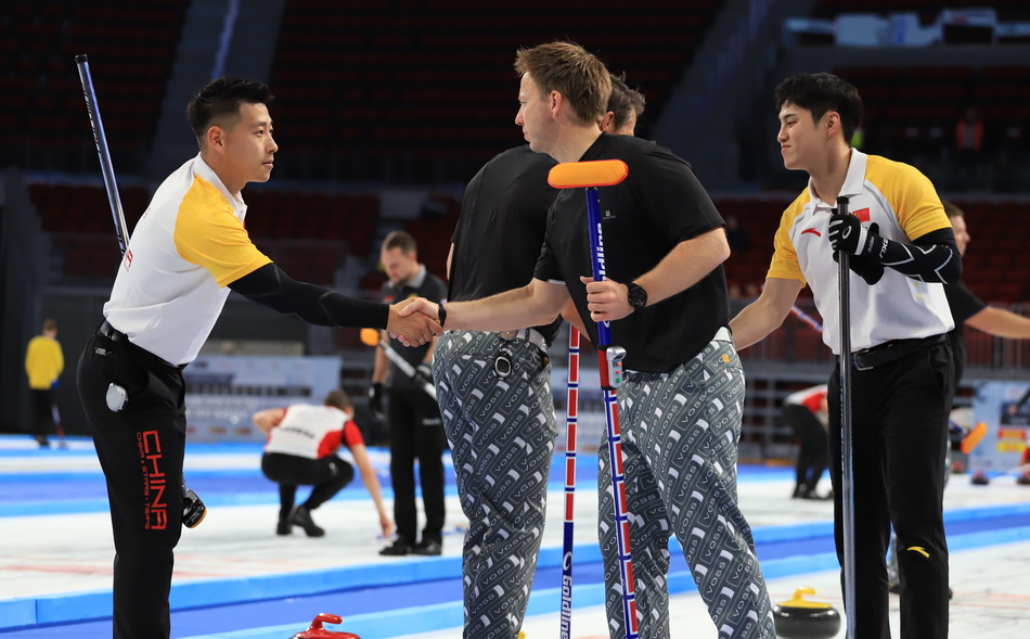 China men's team gave Norway a handshake after their match