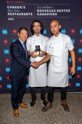 The winning Chef's, Daniel Hadida (left), Eric Robertson (right), with Andy Shibata, Managing Director, Brand at Air Canada at the step & repeat (CNW Group/Air Canada)