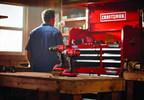 À compter du 1er novembre, une vaste sélection d'outils électriques, d'outils manuels et d'équipement motorisé pour l'extérieur sera offerte en ligne et en magasin chez Lowe's, RONA, Réno-Dépôt et Ace Canada. (Groupe CNW/Lowe's Canada)
