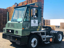 Oakland Pallet Company Deploys Orange EV Pure Electric Terminal Truck (PRNewsfoto/Oakland Pallet)