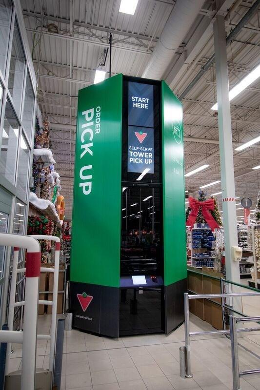 Canadian Tire est le tout premier détaillant canadien à mettre sur le marché de nouvelles tours de ramassage libre-service automatisées de 16 pieds pour les commandes passées en ligne. (Groupe CNW/SOCIÉTÉ CANADIAN TIRE LIMITÉE)