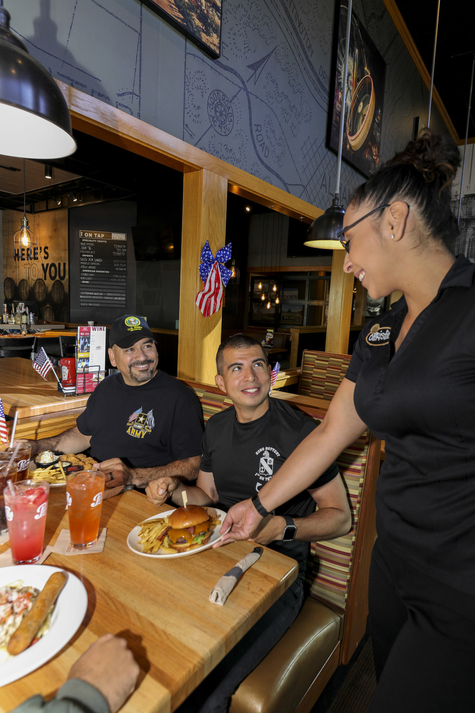 Applebee's® Neighborhood Grill & Bar is bringing communities together this Veterans Day by aiming to serve one million free meals to military heroes