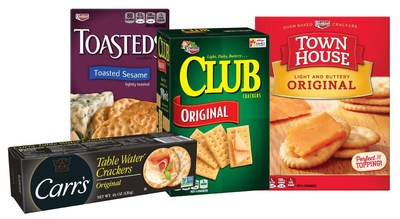 Celebrating the holidays with loved ones and co-workers can lead to never-ending party planning. And between office parties and family gatherings, it can be tough to feed the masses. Whether your party is intimate and relaxed or a more formal affair, Club®, Town House®, Carr's® and Toasteds® crackers are the perfect snack to put on the table.