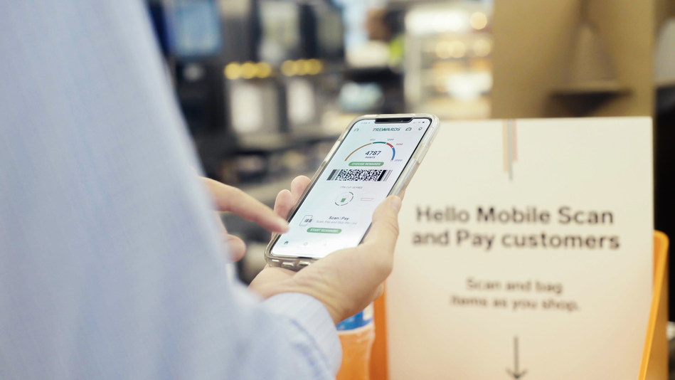 Shop, scan, pay, go – The entire shopping experience will be in customers' hands at select 7-Eleven® stores during the pilot of the new mobile self-checkout feature, Scan & Pay. Taking convenience to the next level, Scan & Pay lets customers skip the checkout line and pay for their purchases using the 7-Eleven app, which houses the already successful 7Rewards® loyalty program.
