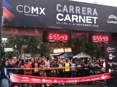 CARNET llega a la meta, junto a miles de corredores