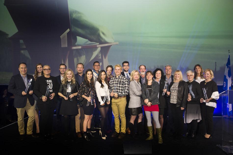 Les lauréats de la deuxième édition des Prix excellence tourisme en compagnie de la nouvelle ministre du Tourisme, Caroline Proulx. (Groupe CNW/Alliance de l'industrie touristique du Québec)