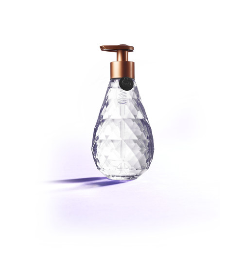 The method x SFMOMA 'Glass for Good' bottle is a contemporary interpretation inspired by the iconic method® teardrop hand wash bottle. All proceeds from the sale of method's first-ever glass bottle will directly benefit SFMOMA's arts education programs.