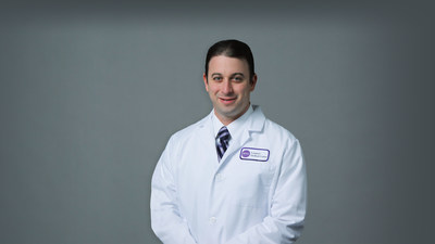 Dr. Eric Strauss performs first CartiHeal case at NYU