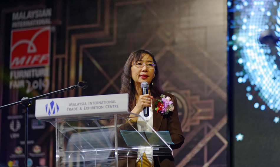 Malaysia Primary Industries Minister YB Teresa Kok was the Guest of Honour at MIFF 25th Anniversary Exhibitor Appreciation Dinner