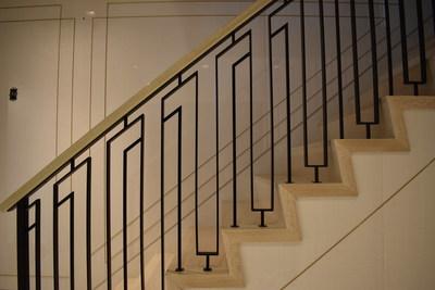 NYC interior dimensional railing. Photo credit: Toby KahnInteriors