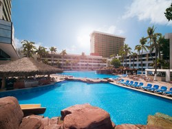 El Cid Resorts El Moro Swimming Pool (PRNewsfoto/El Cid Resorts)