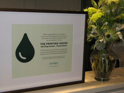 The Printing House Ink Drop Award - Forest Green: TPH has shown exceptional environmental leadership by receiving the highest score in the Blueline Ranking 2018 assessing the environmental preformance of North America's largest printers. (CNW Group/The Printing House Limited)