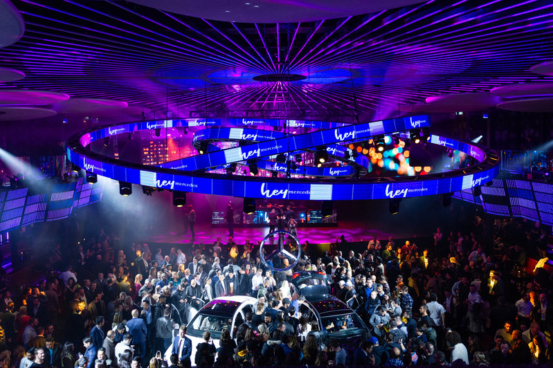 The new Mercedes-Benz A-Class made a dramatic Canadian debut in front of more than 2,000 guests at Toronto's REBEL nightclub on November 14. Photo credit: Mike Palmer (@roamingfocus) (CNW Group/Mercedes-Benz Canada Inc.)