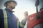 Blackline Safety's wearable G7 technology connects workers to a live monitoring team using cellular or satellite communications. (CNW Group/Blackline Safety Corp.)