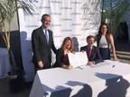 Les villes de Montréal et Los Angeles signent une entente de collaboration visant le partage des meilleures pratiques en matière de transport urbain, notamment pour l'implantation de transports intelligents et de mobilité durable. (Groupe CNW/Ville de Montréal - Cabinet de la mairesse et du comité exécutif)