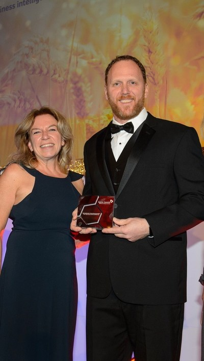 FMC accepted awards for Best R&D Pipeline and Best Application Technology Innovation as well as the Lifetime Achievement Award at the Agrow Awards presented in London on November 12. Pictured: Kathleen Shelton, FMC chief technology officer and vice president, Research and Development, and Rick Ekins, FMC Precision Platform lead.