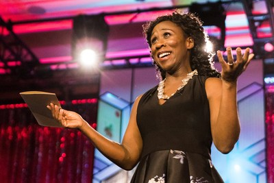 And the 2018 Scotiabank Giller Prize goes to … Esi Edugyan! Credit: Jamal Burger. (CNW Group/Scotiabank)