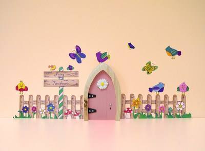 The Irish Fairy Door Company is an award-winning direct-to-consumer brand, based in Ireland, which celebrates the magic of children's belief in fairies through toys, imaginative play, fairy stories and fun online activities. The miniature fairy doors that are the flagship product of the brand are enjoyed by children in almost 1 million households worldwide. (CNW Group/DHX Media Ltd.)