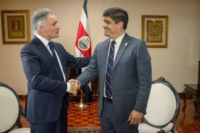 Dionisio Gutiérrez se reúne con Carlos Alvarado, Presidente de Costa Rica (PRNewsfoto/Fundación Libertad y Desarrollo)