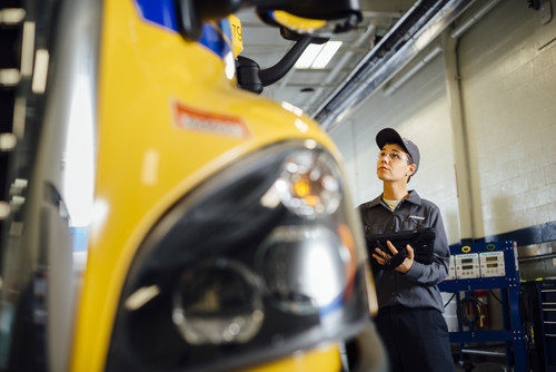 Penske Truck Leasing is joining the TechForce Foundation's efforts to recruit the next generation of truck fleet maintenance technicians by serving as an early adopter in the foundation's FutureTech Success campaign.