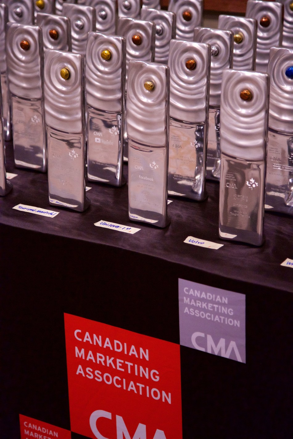 Canada's top marketers receive trophies at the Canadian Marketing Association Awards Gala (CNW Group/Canadian Marketing Association)