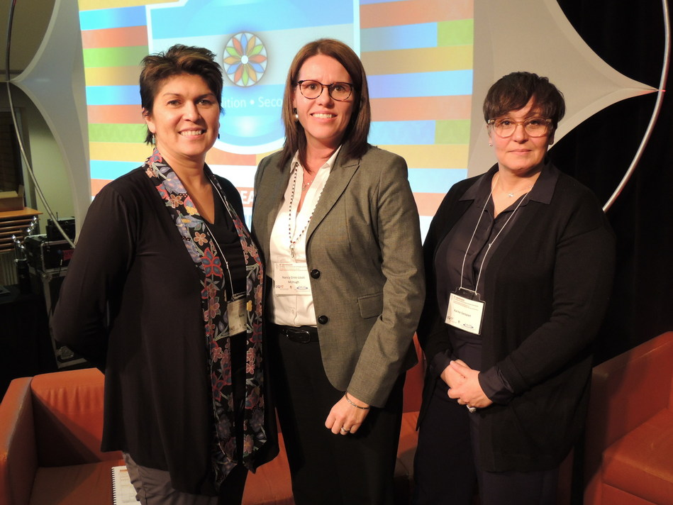 Launch of the Second Toolbox of research principles in an Aboriginal context: ethics, respect, fairness, reciprocity, collaboration and culture, a publication under the co-direction of Suzy Basile (UQAT), Nancy Gros-Louis McHugh (FNQLHSSC) and Karine Gentelet (UQO). (CNW Group/Université du Québec en Abitibi-Témiscamingue (UQAT))