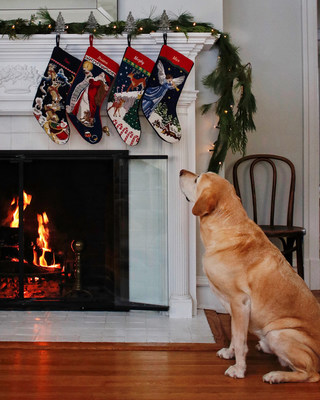 @TheYellowNote shows how to beautifully decorate with the iconic Lands' End Needlepoint Christmas Stockings