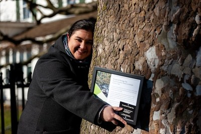 Nikki Michienzi, Eldon House Museum Coordinator, at today's ceremony where Forests Ontario recognized the 150-year-old Sycamore as a Heritage Tree. (CNW Group/Forests Ontario)
