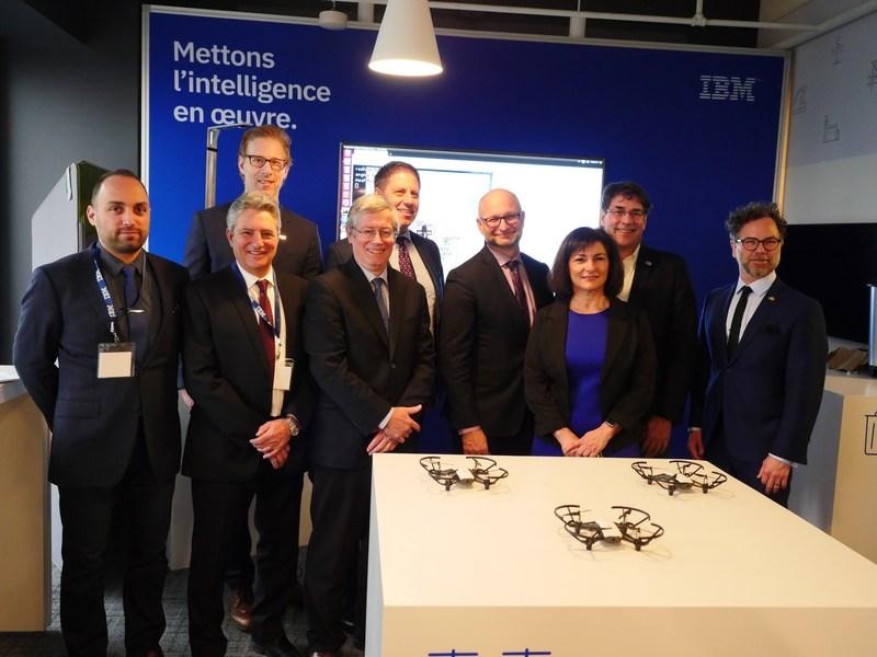 IBM élargit la mission du Centre d'innovation client en y ajoutant l'intelligence artificielle et Salesforce, créant 100 postes à Montréal, et annonce un partenariat avec l'Institut de valorisation des données pour favoriser l'innovation pour ses clients (Groupe CNW/IBM)