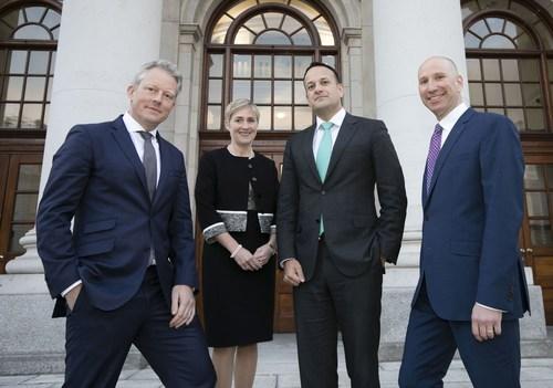 (L-R): Paul Saunders, Senior Investment Director, ISIF; Anne Jones, CEO of Genomics Medicine Ireland; Leo Varadkar TD, Taoiseach; Rob Brainin, CEO of WuXi NextCODE