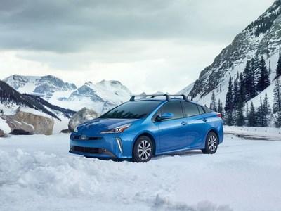 El nuevo sistema Prius AWD-e ofrece más tracción y confianza y es uno de los autos de pasajeros equipados con tracción en las cuatro ruedas más eficientes en el consumo de combustible en los Estados Unidos.