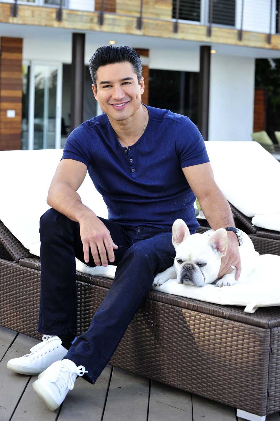 """EXTRA Host Mario Lopez and his French Bulldog """"Julio Cesar Chavez Lopez"""" are representing the Non-Sporting Group and #TeamFrenchie in this year's AKC National Championship Dog Show Presented by Royal Canin, airing on Animal Planet on Monday, January 1, 2019 at 6 p.m. ET."""