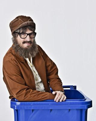 Ti-Mé, le célèbre personnage créé par Claude Meunier, devient le premier porte-parole de RECYC-QUÉBEC (Groupe CNW/Société québécoise de récupération et de recyclage)