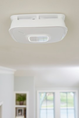The new Onelink Smoke & Carbon Monoxide Alarm offers innovative smart home capabilities with premium safety features and sensing technologies to enhance any home's level of smart protection.