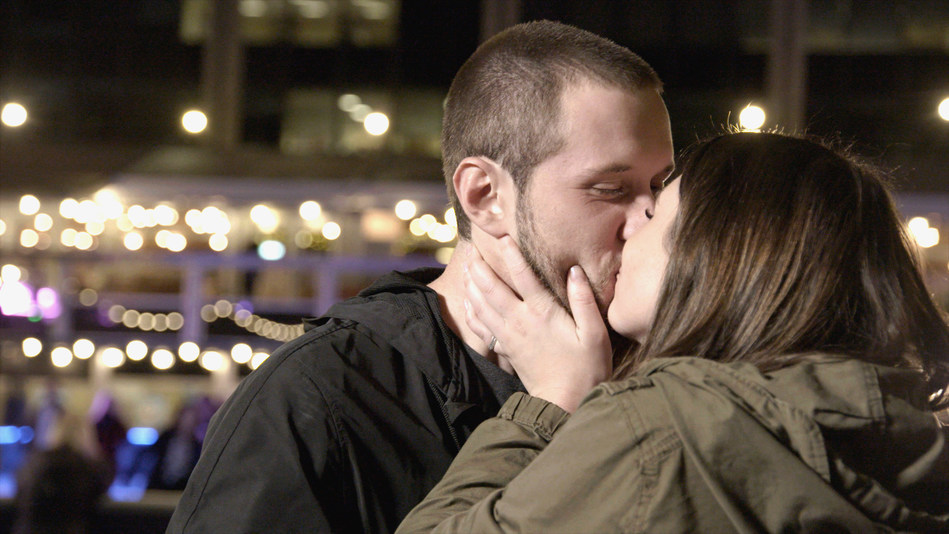 A surprising London reunion for a long-distance couple (CNW Group/WESTJET, an Alberta Partnership)