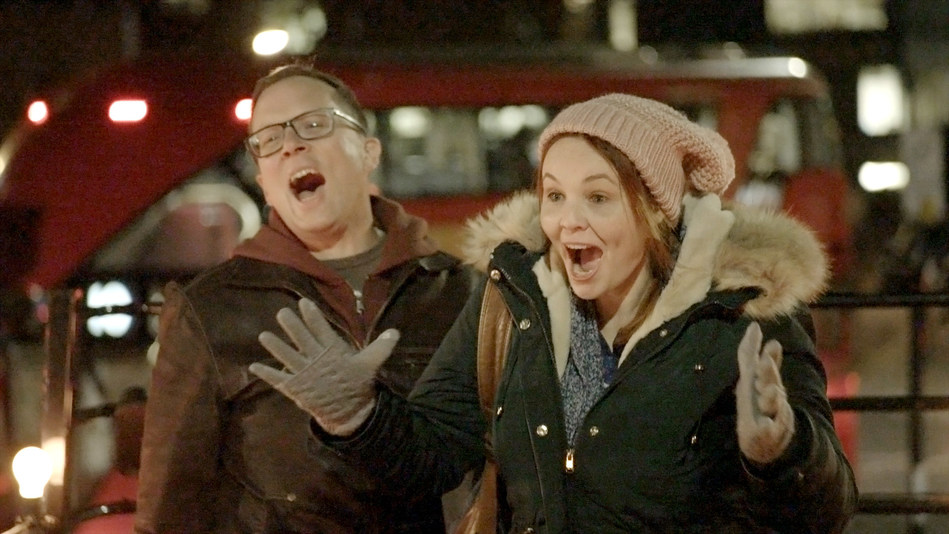 A Grande Prairie duo's reaction to reuniting with friends from Australia in London, England (CNW Group/WESTJET, an Alberta Partnership)