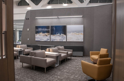 Air Canada's Latest Maple Leaf Lounge Opens in New York-LaGuardia Airport's New Terminal (CNW Group/Air Canada)