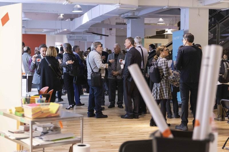Plus d'une centaine d'usagers du transport collectif et membres de la société civile se mobilisent lors d'un « Forum d'idées » dédié aux usagers des lignes Deux-Montagnes et Mascouche (Groupe CNW/Réseau express métropolitain - REM)