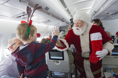 Air Transat's Flight with Santa 2018 - Toronto (CNW Group/Transat A.T. Inc.)