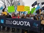 Manifestation de la FIQ devant l'Hôpital général du Lakeshore (Groupe CNW/Fédération interprofessionnelle de la santé du Québec - FIQ)