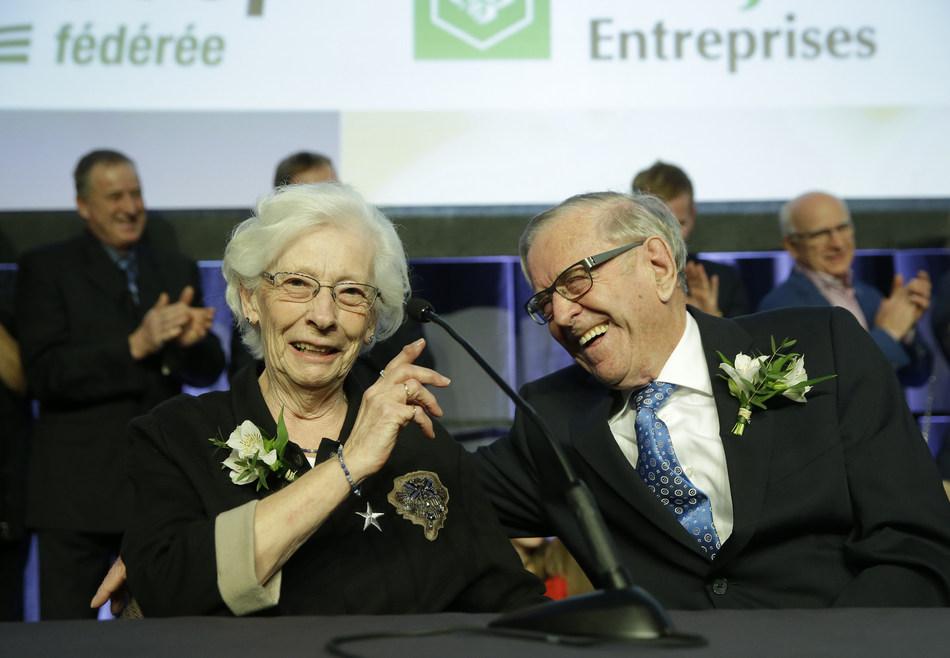 En marge du Congrès général de l'UPA, la famille Bourgeois-Préfontaine, de Saint-Ours en Montérégie, a été proclamée Famille agricole 2018. (Groupe CNW/Union des producteurs agricoles)