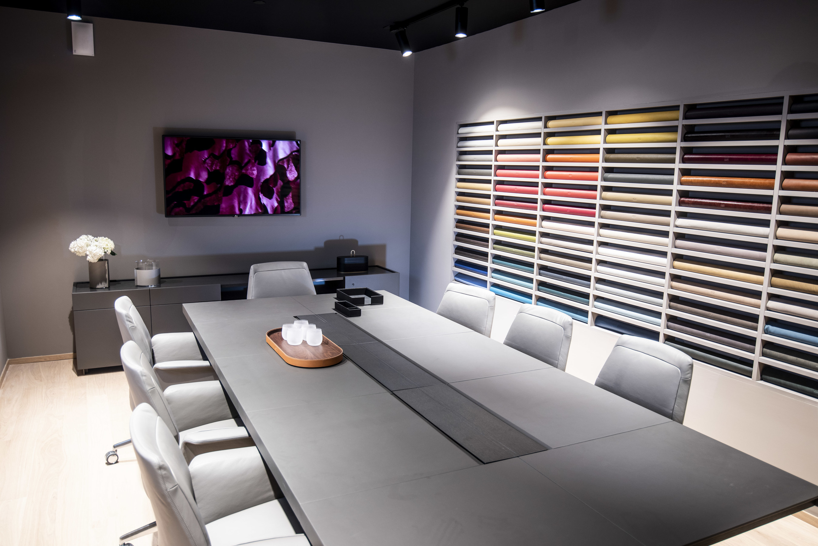 Poltrona Frau Design Bank.Poltrona Frau Celebrates New Showroom In West Hollywood