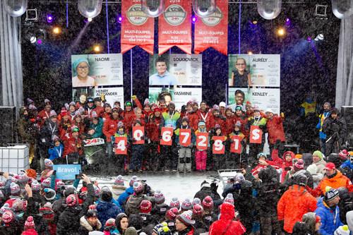 C'est avec une grande fierté que l'organisation du 24h Tremblant annonce avoir atteint de nouveaux sommets lors de sa 18e édition qui vient de se terminer. Non seulement le nombre de participants était plus élevé que jamais – ils étaient 3 524 à skier, marcher ou courir – mais pour la 18e année consécutive, le 24h Tremblant a fracassé tous ses records en amassant la somme 4 067 291 $ au bénéfice de la grande cause des enfants. (Groupe CNW/24h Tremblant)