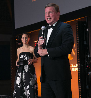 CEO Tom Fanning giving his acceptance speech for CEO of the Year during the 2018 Global Platts Global Energy Awards.
