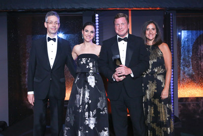 Southern Company CEO Tom Fanning presented the 2018 CEO of the Year Award by S&P Global Platts President Martin Fraenkel, CNBC Reporter and EMCEE Jackie DeAngelis, and S&P Global Platts COO Sue Avinir.