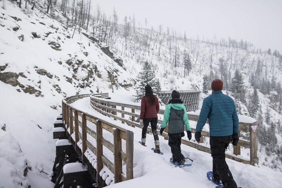 Snowshoe the Myra Canyon Trestles in Kelowna, British Columbia – Image courtesy of Tourism Kelowna (CNW Group/IHG® (InterContinental Hotels Group))
